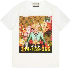 Shoppen Gucci Ignasi Monreal print T-shirt. Gucci Tee, Gucci Shirts, Gucci Gucci, Oversized White T Shirt, White Tees, Oversized Tops, White Shirts, Printed Tees, Printed Cotton