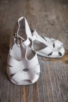 Vintage Mrs Day's Ideal Soft Sole Baby Sandals in White by dappr, $25.00