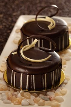 Matignon Choco Luxe By Goldilocks Luxe Desserts