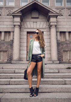 Уличная мода: Лучшие модные образы за неделю: Анна Галкина, Wendy Nguyen, Larisa Costea и другие