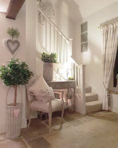 Morning world Happy Tuesday to you all Just back in from the packing room - was in there at 5 20 again Having slept with Neddy Noo Cottage Hallway, Shabby Chic Hallway, Romantic Home Decor, Hallway Decorating, Home Interior Design, Home Furnishings, Home Furniture, Living Room Decor, Bedroom Decor