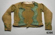 Tröja i vadmal, kantad med sidenband; Vemmenhög, 1800-45. Nordiska Museet, nr. NM.0006396