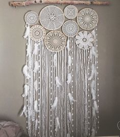 Discover thousands of images about Dreamcatcher and Crochet Mural Mural White Doily Dream Catchers, Crochet Wall Hangings, Crochet Dreamcatcher, Diy And Crafts, Arts And Crafts, Creation Deco, Doily Patterns, Crochet Doilies, Bohemian Decor