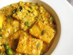 Paneer and Pea Curry Smothered in a Cashew Tomato Gravy Yummy and easy to follow