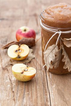 Great idea for homemade applesauce packaging . Apple Harvest, Fall Harvest, Apple Orchard, Fresh Apples, Apple Butter, Food Photography, Food Porn, Treats, Blade