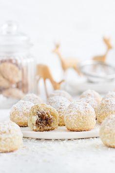 Filled Coconut Snowballs // gefüllte Kokos-Schneebälle
