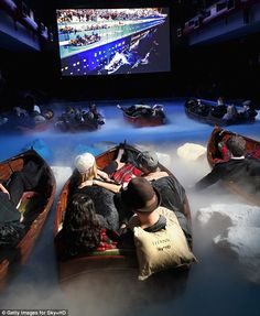 This is pretty cool! Swimming pool transformed for a special screening of the movie #Titanic.