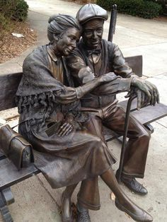 "A statue in Decatur, Georgia called ""Valentine"" by George Lundeen. - Imgur"