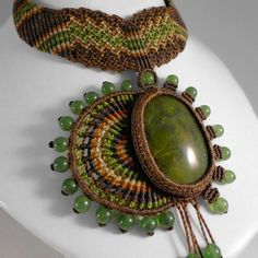 collares de piedra serpentina - Buscar con Google