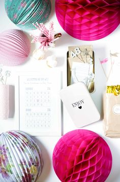 """Ich bin eine """"Pink is beautiful Baby-Party""""-Box, Party in a box, Baby Party-Kit, Partyideen Party Box, Partys, Beautiful Babies, Place Cards, Place Card Holders, Kit, Celebration, Birthday, Wedding"""