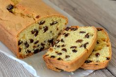 Sometimes it's the most simple of cakes that has the biggest impact. And this delicious Sultana Cake is definitely one of those. Best enjoyed with a cup of tea and good company! Golden Syrup Cake, Date And Walnut Loaf, Walnut Cake, Sultana Cake, Buckwheat Cake, Angel Cake, Food Cakes, Fruit Cakes, Loaf Cake
