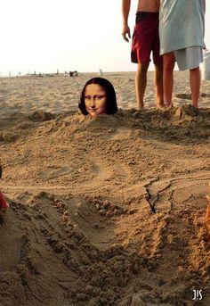 Joconde Mona Lisa est très patiente avec ses neveux