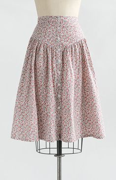 Skirt spring Vintage and Vintage Inspired Clothing / Pink Floral Dropped Waist Midi Skirt / J… Roupas Inspiradas Vintage e Vintage / Saia Midi de Cintura Caída Floral Rosa / Saia de Jeune Fille - Vintage Skirt, Vintage Dresses, Vintage Outfits, Skirt Outfits, Dress Skirt, Midi Skirt, Waist Skirt, Vintage Inspiriert, Skirt Patterns Sewing