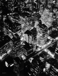 """New York circa 1932. """"Night view, Manhattan."""" Photo by Berenice Abbott"""