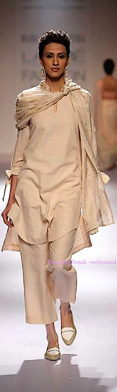 MARG by Soumitra at Lakme Fashion Week Winter 2014 Muslim Fashion, Ethnic Fashion, Indian Fashion, Indian Attire, Indian Wear, Indian Dresses, Indian Outfits, Daily Fashion, Love Fashion