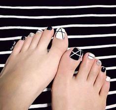 #uñas en color #blanco y #negro #moda - #blanco #color #negro - #Genel