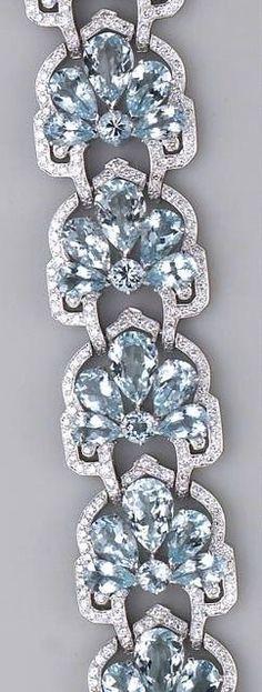 Gorgeous aquamarine (beryl) and sterling link bracelet.