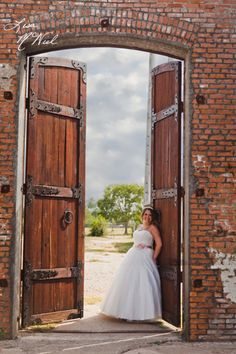 McKinney Cotton Mill, bridal portraits, wedding pictures, wedding photography ideas, North Texas Photographer, Click the pic to see more!