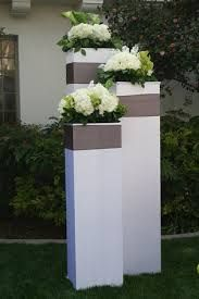 Image Result For Images Of Yellow Cream White Round Wedding Centrepieces Party