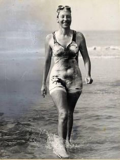 1950: Florence Chadwick swam the English Channel from France to England in 13 hours and 20 minutes, breaking Gertrude Ederle's previous record; in 1951 she became the first woman to swim the Channel from England to France (16:22)