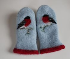 First Down, Different Textures, Wool Felt, Felted Wool, Mittens, Ravelry, Knitwear, Diy And Crafts, Baby Shoes