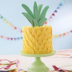 Celebrate summer with this adorable Brush Stroke Pineapple Cake. This cake may look spiky on the outside, but it's sweet on the inside! Use your favorite coconut or pineapple cake recipe to make three delicious cake layers, then decorate your cake with C Candy Melts, Food Cakes, Luau Cakes, Mini Cakes, Cupcake Cakes, Wilton Cakes, How To Make Cake, Food To Make, Cakes To Make