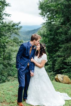 mountaintop elopement, photo by Boonetown Story http://ruffledblog.com/overcast-north-carolina-elopement #weddingideas