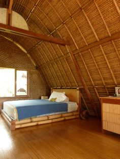 Quaint #bamboo #bed | Tiny House Swoon - www.DavisWorld.com