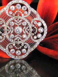 1915 Vintage diamond pendant