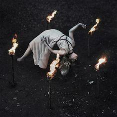 Hekate & December: Witchcraft for the Darkest Month & The Promise of Rebirth Dark Beauty, Dark Witch, The Witch, Arte Obscura, Witch Aesthetic, Aesthetic Dark, Aesthetic Bedroom, Aesthetic Fashion, Dark Photography