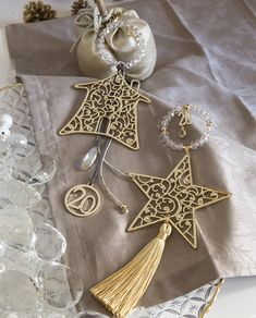 Lucky Charm, Xmas Decorations, Jewerly, Decoupage, Christmas Crafts, Creativity, Diy Projects, Charmed, Handmade