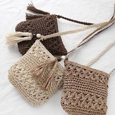 crochet woven bag models step by step Crochet Purse Patterns, Crochet Tote, Crochet Baby Shoes, Crochet Handbags, Crochet Purses, Love Crochet, Diy Crochet, Sewing Patterns, Chunky Crochet