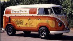 Keep n truckin' bus Volkswagen Bus Camper, Volkswagen Transporter, Vw T1, Combi Vw, Chevy Van, Vintage Vans, Custom Vans, Vw Vans, Cars