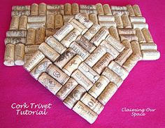 Cork Trivet Tutorial- Felt, hot glue and corks.