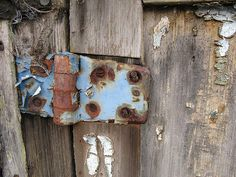Blue hinge on wood Mantle Art, View Image, Door Handles, Wood, Blue, Home Decor, Weather, Madeira, Decoration Home