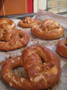 Do You Know the Muffin Pan?: Pretzel Party