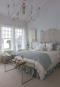 Pale Seagreen And Driftwood Hues In This Dreamy Beach House Bedroom