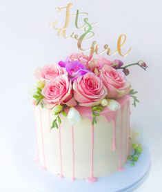 Its a girl🌸🌸 cute topper by loulou lou 💖💖 - Torten - Baby Shower Drip Cake, Girl Shower Cake, Baby Shower Cakes, Novelty Birthday Cakes, Novelty Cakes, Pretty Cakes, Cute Cakes, Pasteles Cake Boss, Engagement Cakes