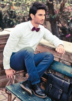 Sushant Singh Rajput wearing light green coloured check shirt paired with royal blue chinos and black shoes. Doesn't he look dapper in this? Tell us which of his movie is your favourite. Roy Kapoor, Sushant Singh, Suit Up, Actor Photo, Cute Actors, Bollywood Stars, Bollywood Celebrities, Hd Photos, Role Models