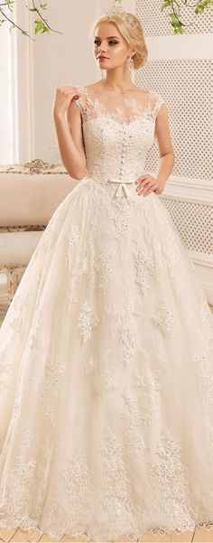 Fabulous Tulle & Satin Bateau Neckline A-Line Wedding Dresses With Lace Appliques