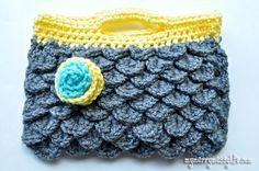 Crochet Crocodile Stitch Purse with a Free Pattern - making into a tablet case!
