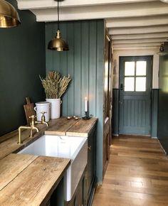 Bathroom Interior, Kitchen Interior, Kitchen Decor, 50s Kitchen, Interior Plants, Kitchen Ideas, Farmhouse Kitchen Island, Farmhouse Decor, Interior Desing
