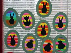 Doesn't link to anything, just a cute idea. Cut 2 egg borders (the frame) out of card stock. Glue tissue paper strips on one (and finish with shapes as desired), then let dry. Put frame on the back (to finish the edges) and voila. Easter Arts And Crafts, Spring Crafts For Kids, Art For Kids, Easter Activities, Spring Activities, Preschool Crafts, Spring Art Projects, Easter Projects, Colores Benjamin Moore