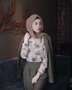 Modern Hijab Fashion, Hijab Fashion Inspiration, Muslim Fashion, Cute Fashion, Modest Fashion, Skirt Fashion, Trendy Fashion, Fashion Outfits, Trendy Style