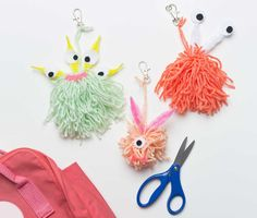 How to Make a Yarn Backpack Buddy for your Little Monster | #FiskarsBTS