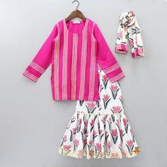 Pre Order: Pink Kurta With Block Print Sharara And Dupatta Baby Girl Frocks, Frocks For Girls, Little Girl Dresses, Nice Dresses, Chaniya Choli For Kids, Designer Kids Wear, Designer Dresses, Baby Girl Fashion, Kids Fashion