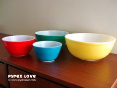Primary Color Mixing Bowls : Pyrex Love: Pretty and cheap: you can generally find these at any flea market.