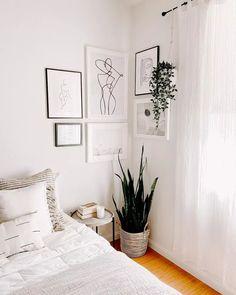 Bedroom Corner, Room Ideas Bedroom, Home Bedroom, Bedroom Wall, Bedroom Decor, Home Interior, Interior Design, Ideas Habitaciones, Gallery Wall Bedroom