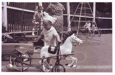 Конь педальный.  Эта лошадка знакома многим, чьё детство прошло в СССР. Педальный конь, как и разнообразные педальные автомобильчики, был мечтой многих советских детей.