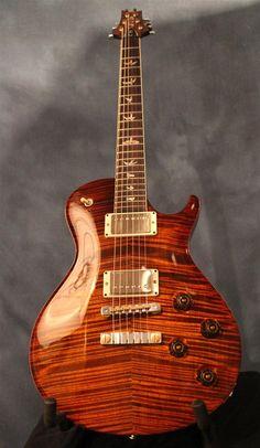 Une lutherie fine signé Paul Reed Smith. Retrouvez des cours de #guitare d'un genre nouveau sur MyMusicTeacher.fr